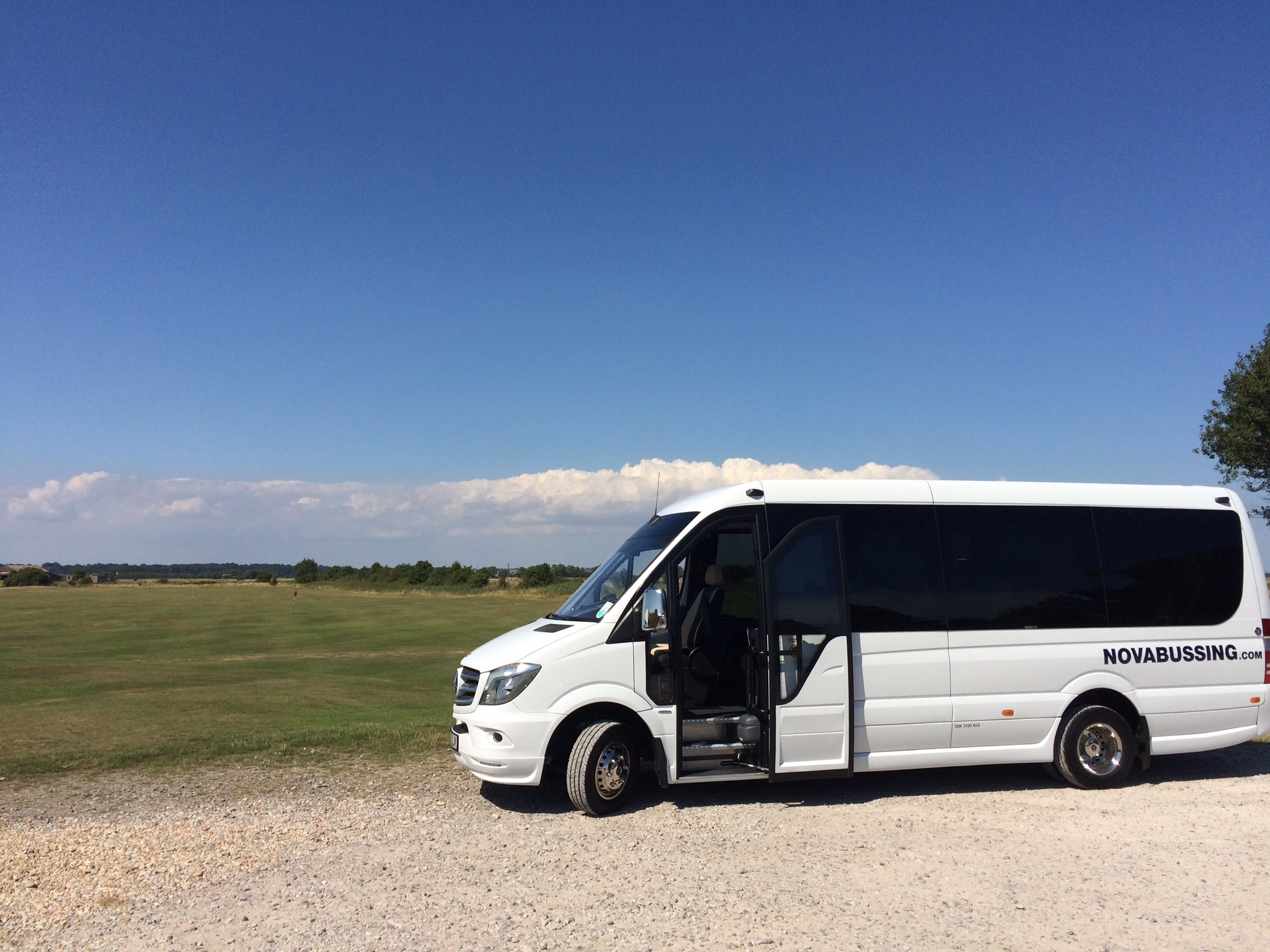 16 Seater Luxury Minibus Hire with Driver - Luxury Minibuses from